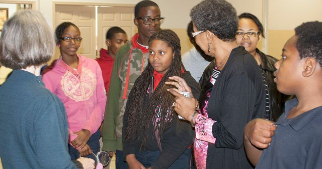 Sheryl Threadgill-Matthews brings BAMA kids to meet author Maria Gitin