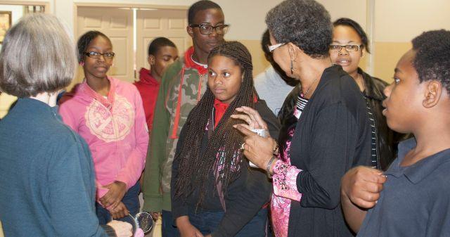 Sheryl Threadgill-Matthews brings BAMA kids to meet author Maria Gitin